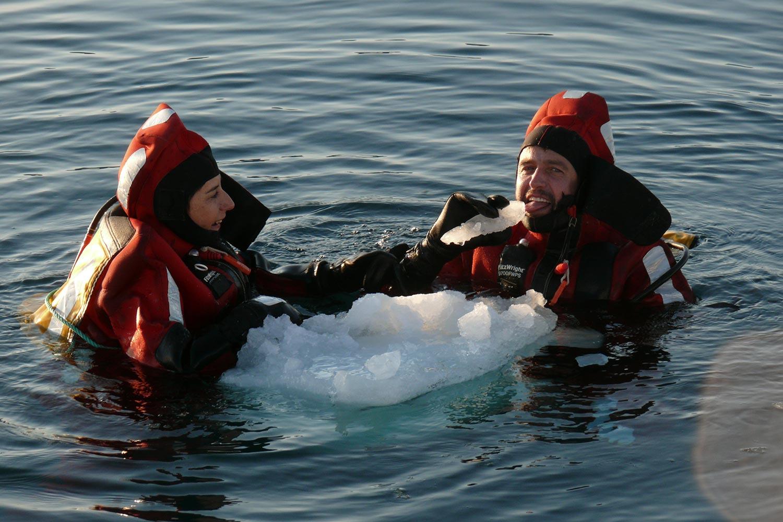 Bru & Bru agencia de viajes exclusivos - OceanSky Cruises, expedición al Ártico. José Manuel Naranjo y Ana Bru
